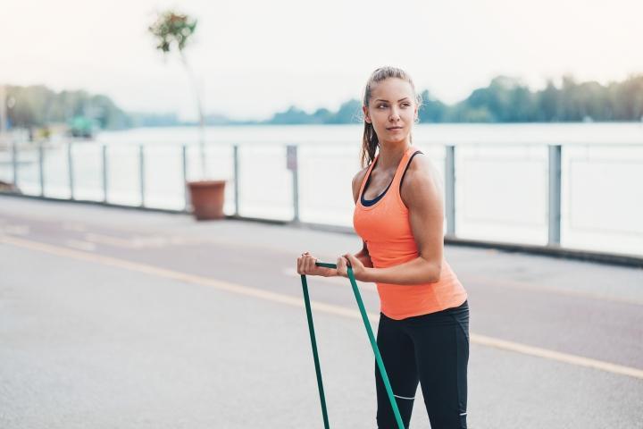 Quatre raisons pour lesquelles vous devriez intégrer un élastique dans vos entrainements!